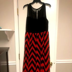 Sleeveless chevron long dress size 2x read below